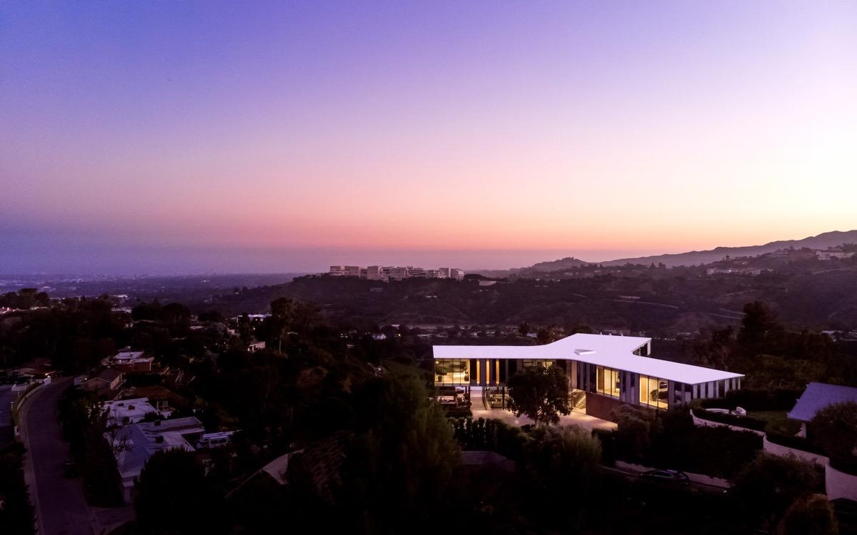 LA-property