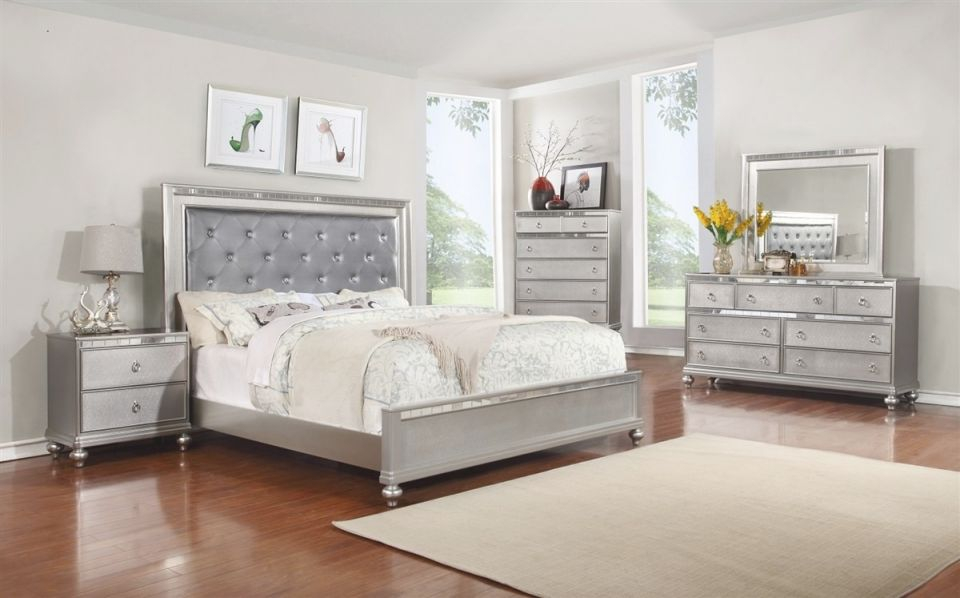 B4183 Contemporary Bedroom Set In Silver Finish within Bedroom Set Grey