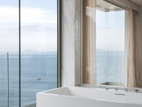 bathroom-with-beach-view