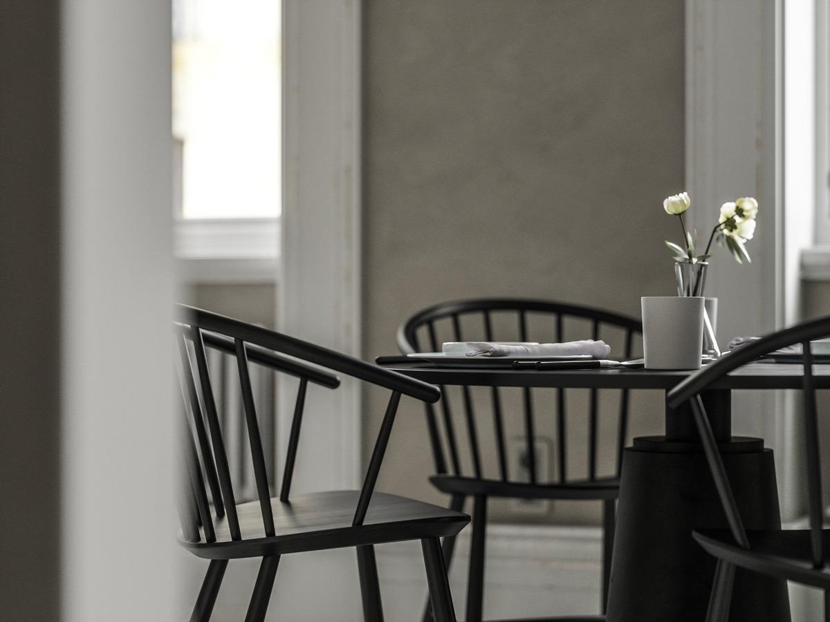 black-chairs