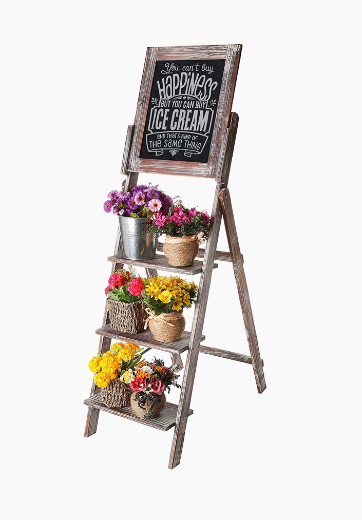 cute-rustic-ladder-shelf-with-chalkboard
