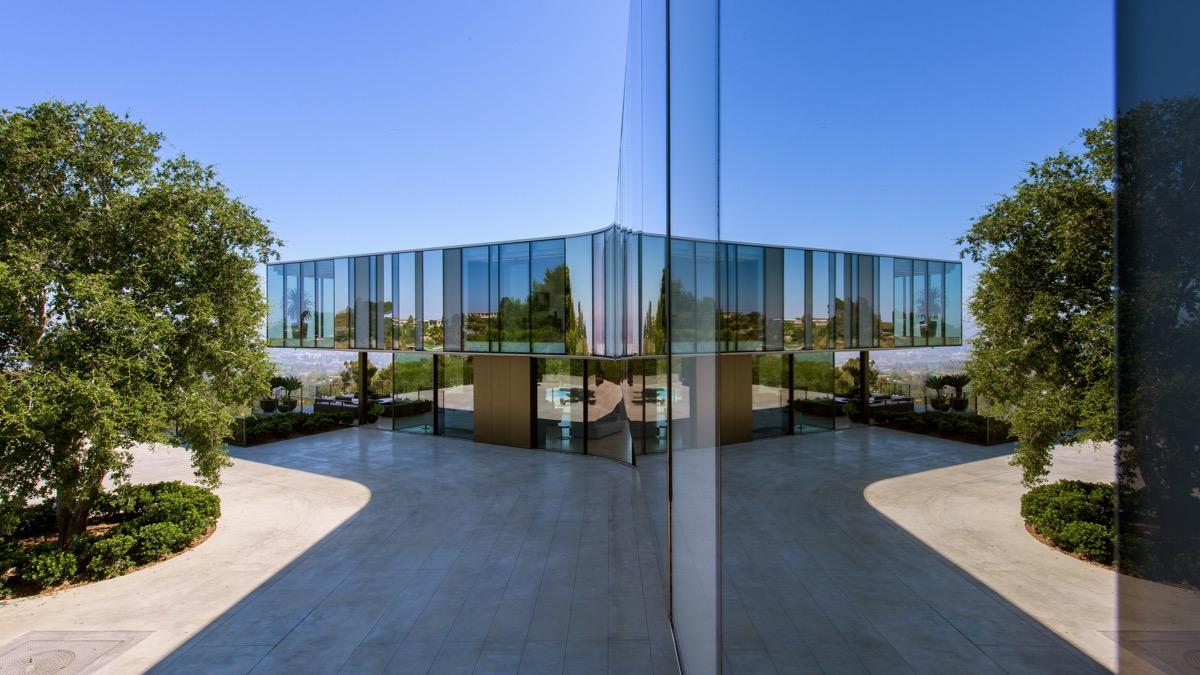 glass-home-exterior