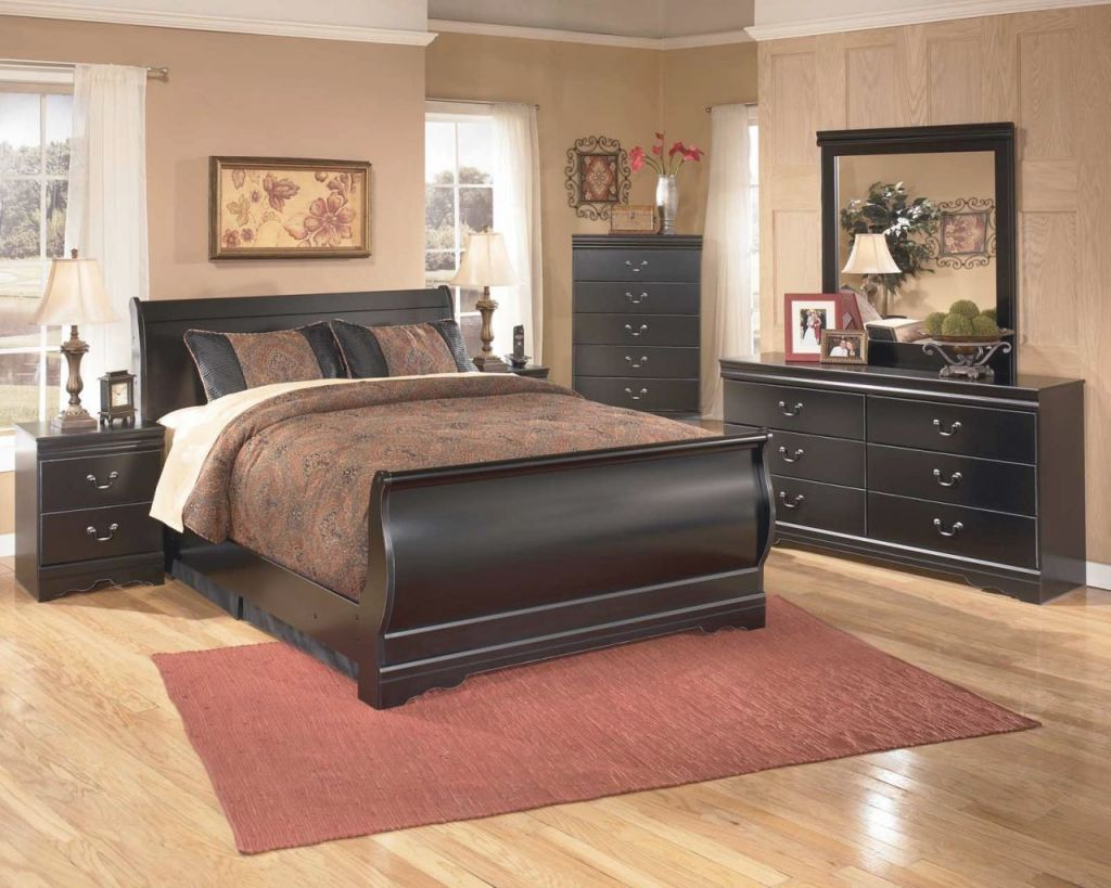Huey Vineyard 4-Piece Sleigh Bedroom Set In Black with Luxury Bedroom Set Queen Size