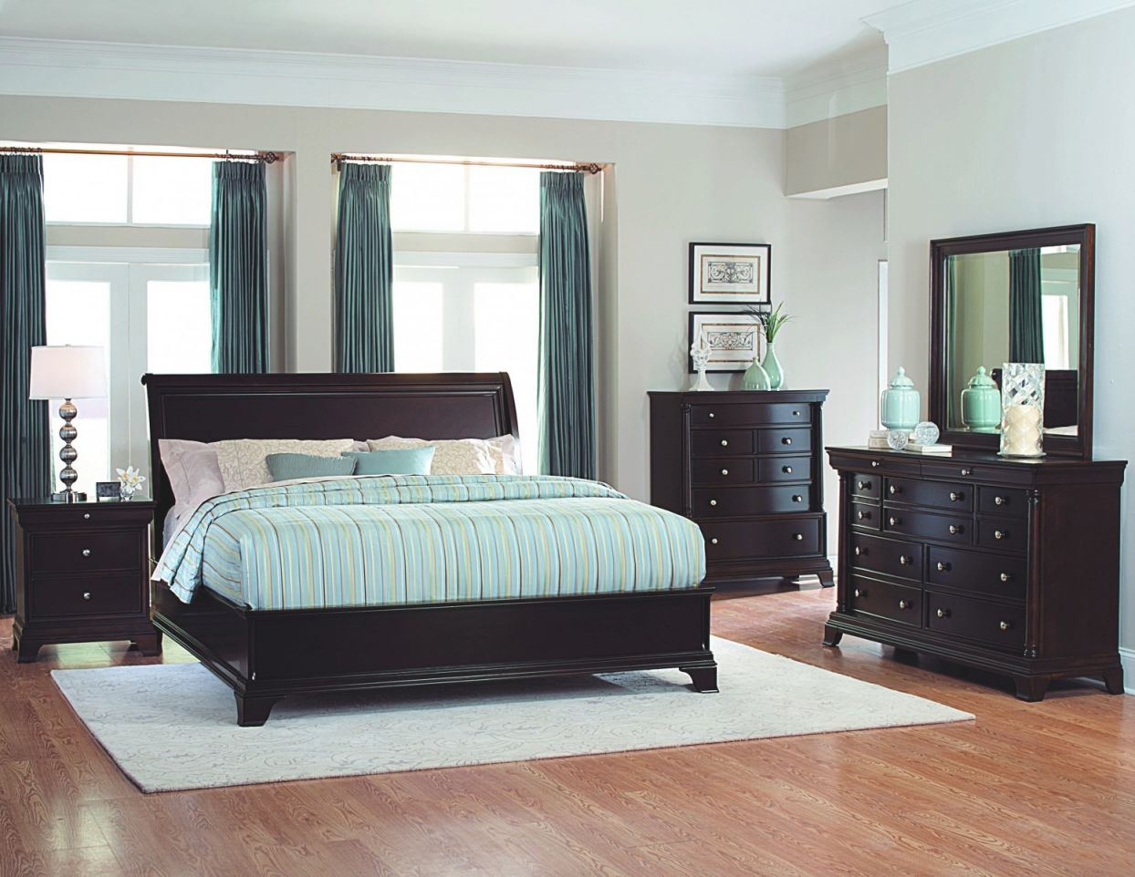 Inglewood 3-Piece Queen Size Low Profile Bedroom Set throughout Luxury Bedroom Set Queen Size