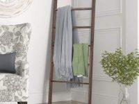 ladder-rack-design-for-quilt-display-or-towels-for-bedroom-bathroom