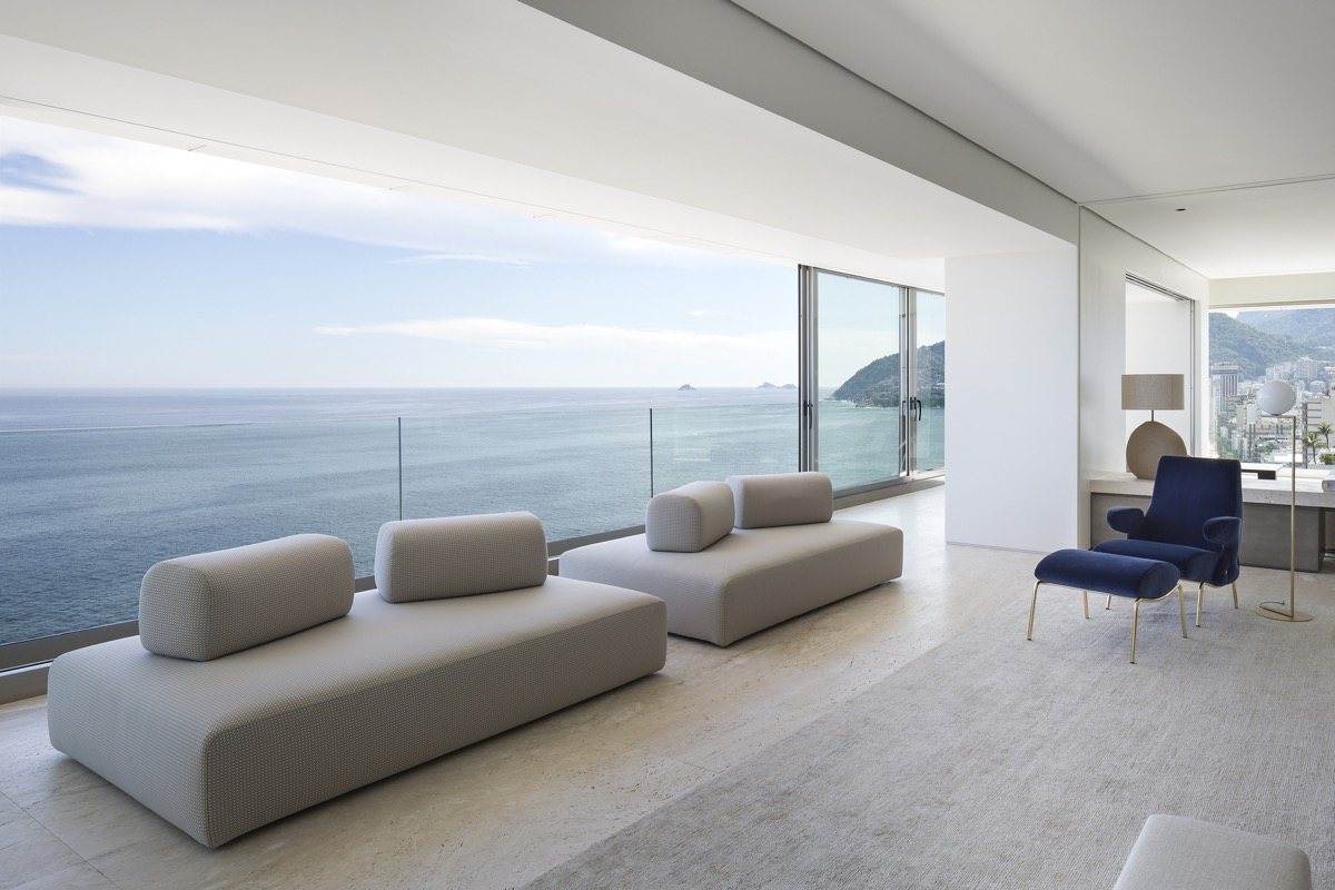 living-room-with-a-spectacular-view-1