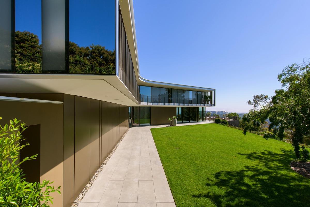 luxury-modern-home
