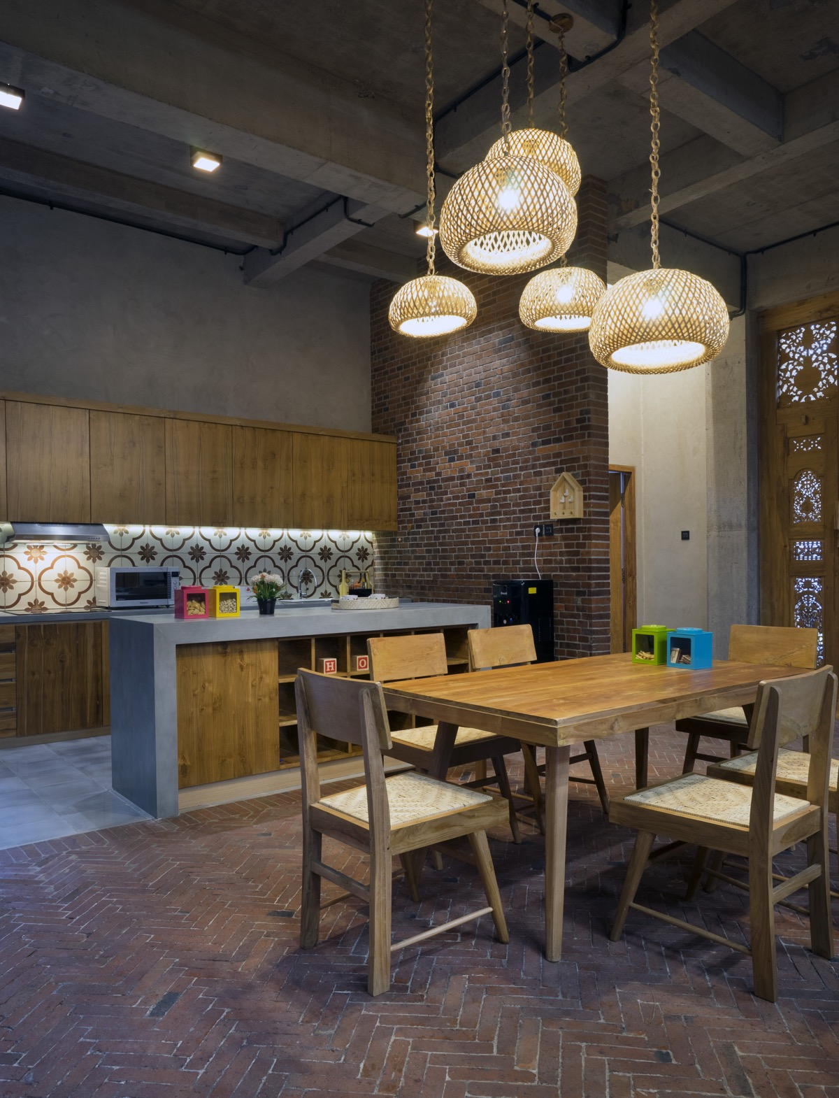 wood-dining-set