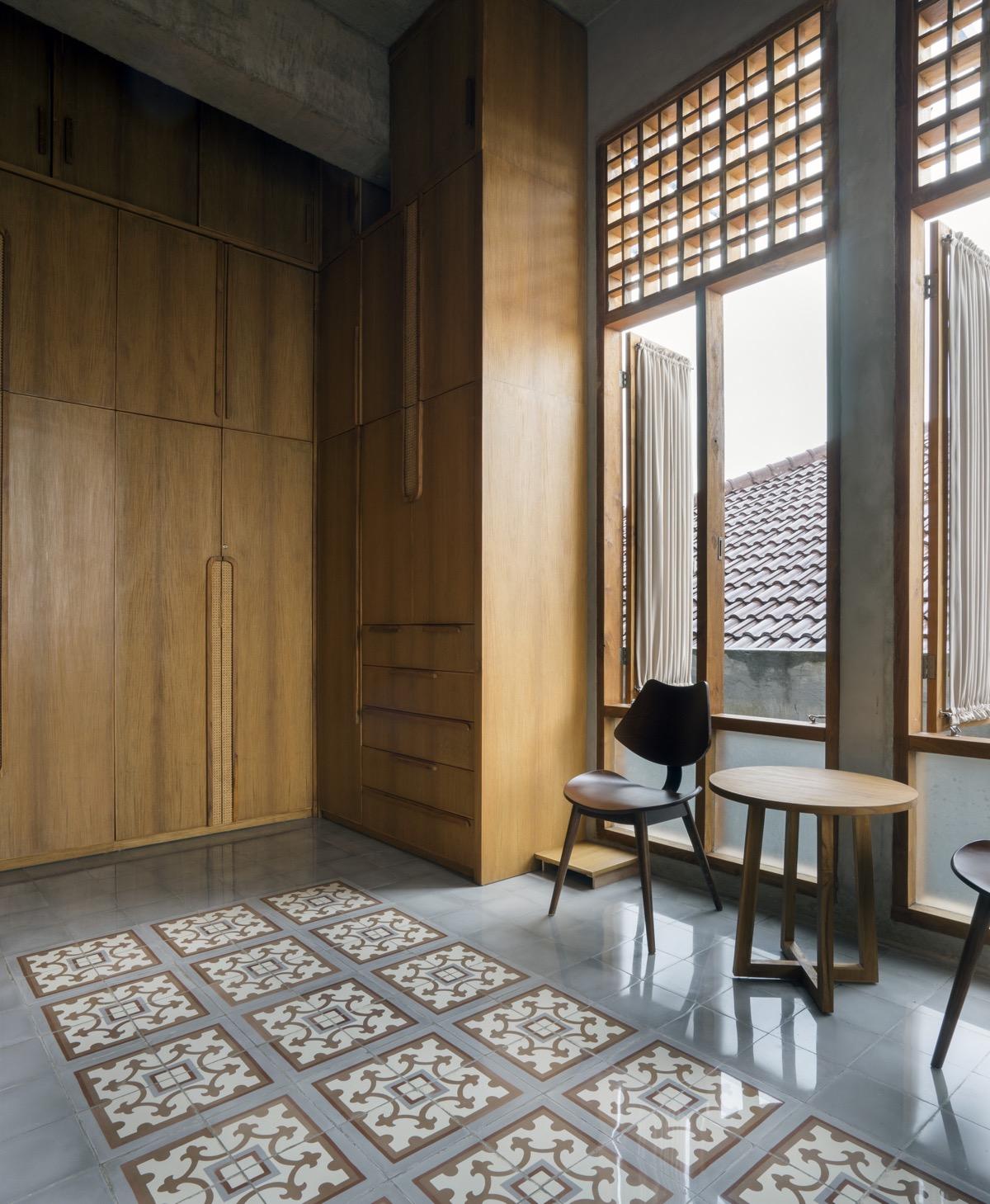 wooden-wardrobes
