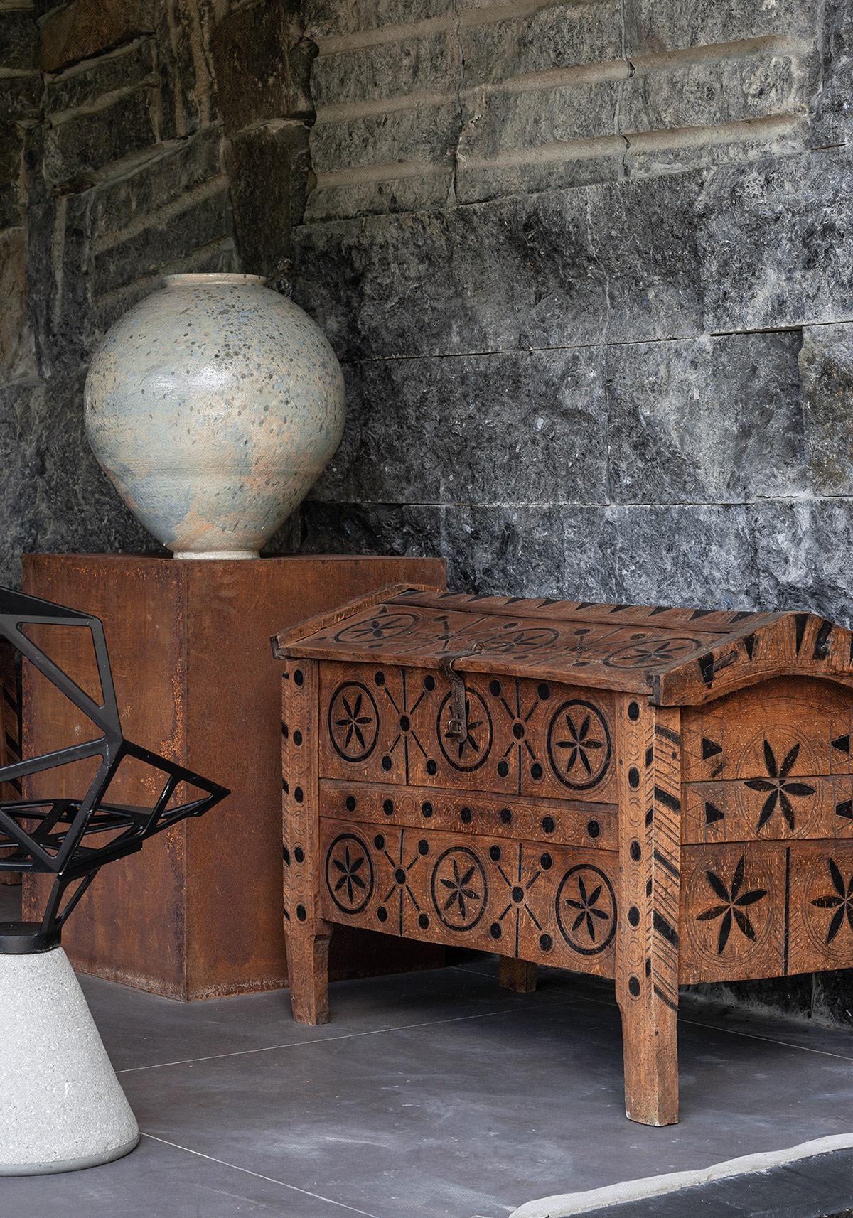 antique-wooden-chest