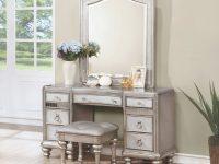Coaster Furniture Bling Game Vanity Set With Mirror in Bedroom Set With Vanity