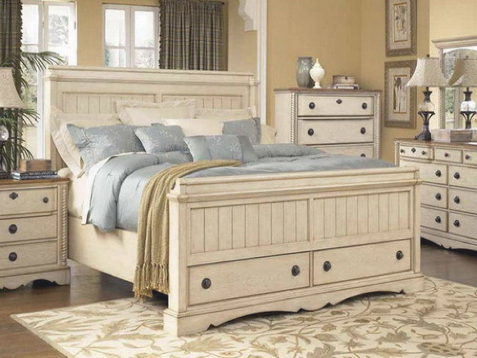Picture of: Distressed White Queen Bedroom Set White Bedroom Design For White Bedroom Furniture Set Awesome Decors