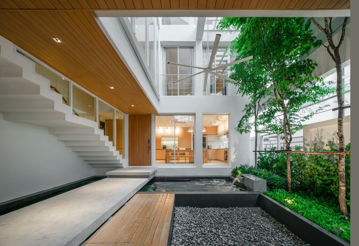 home-with-courtyard