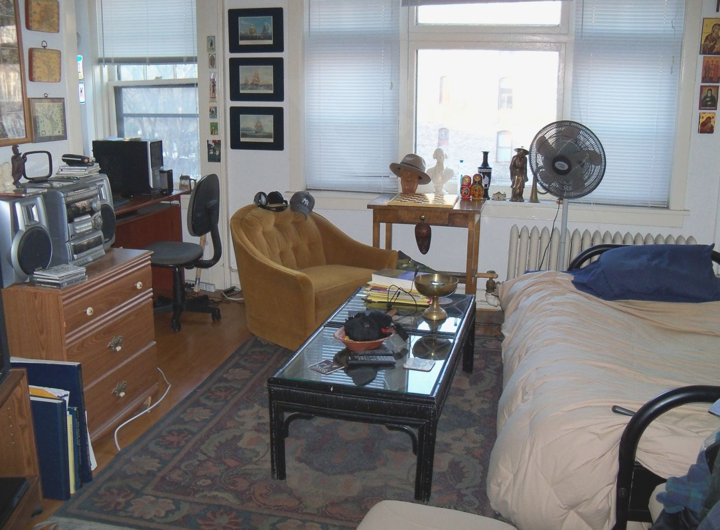 Studio Apartment – Wikipedia within Best of One Bedroom Apartments Nyc