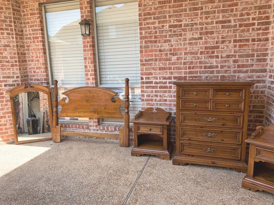 Value Of Vintage Thomasville Bedroom