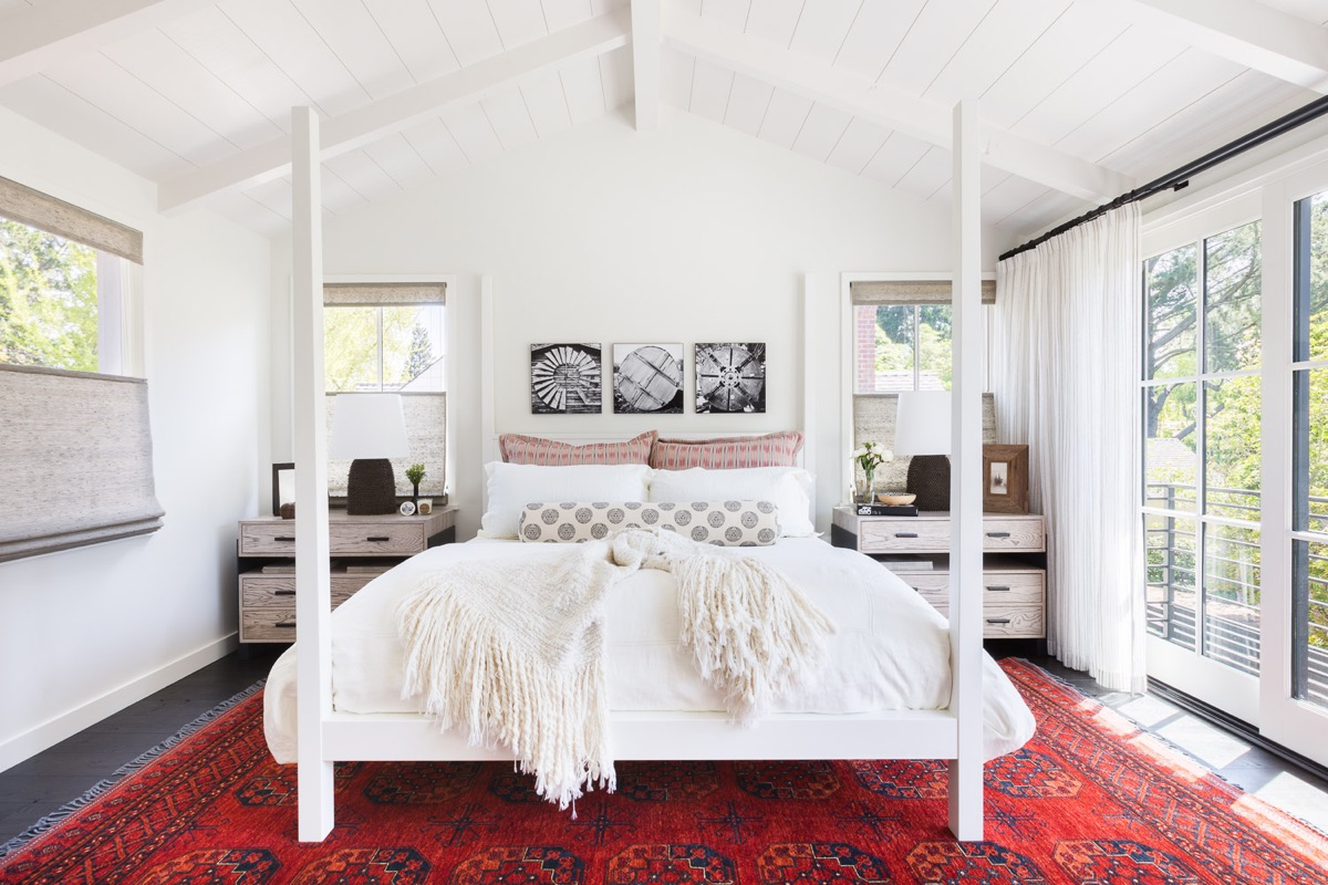 white-bedroom-with-red-accents