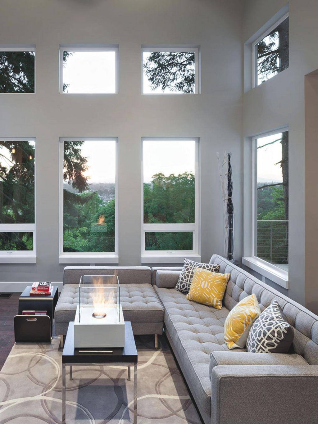 12 Living Room Ideas For A Grey Sectional Hgtv S Modern Decor Awesome Decors
