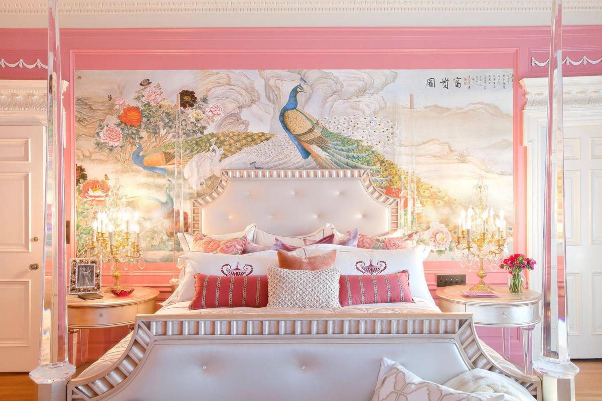 peacock-decor-pink-bedroom