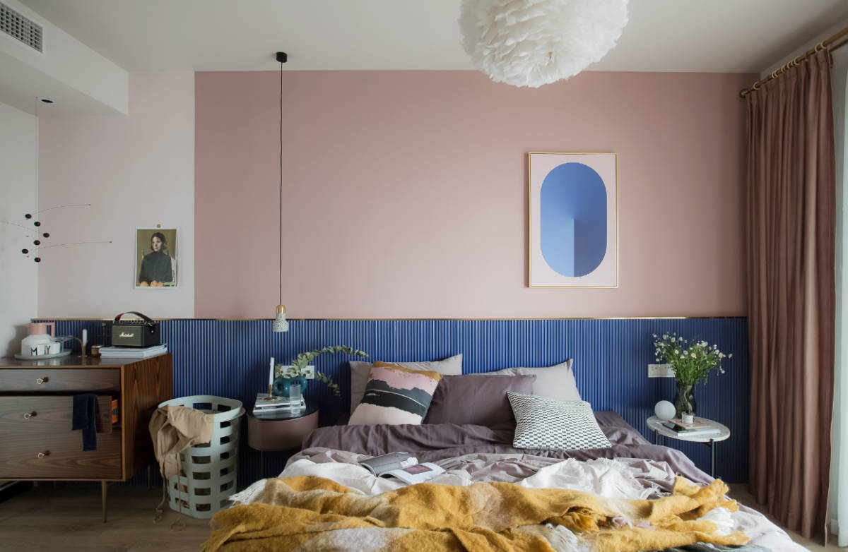 pink-and-gold-bedroom-set