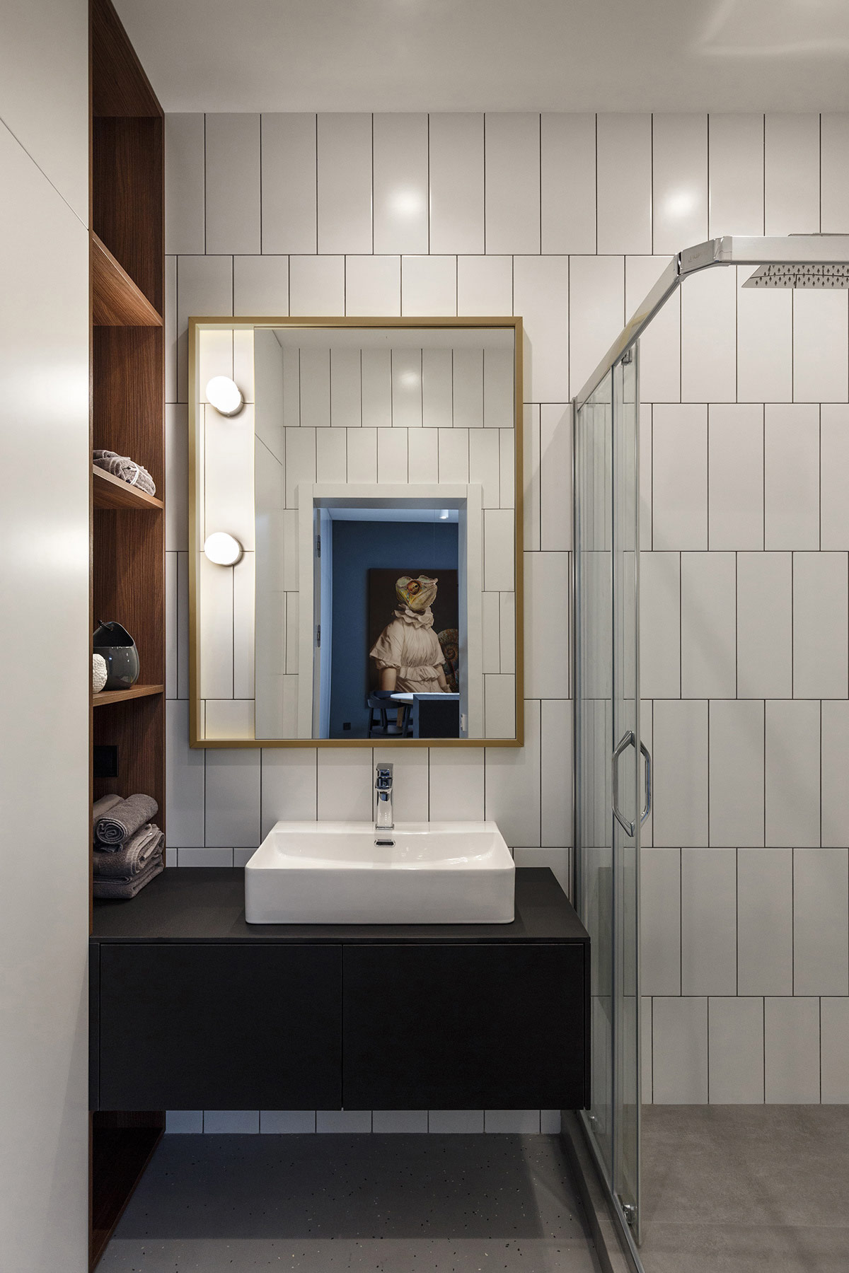vertical-bathroom-tiles
