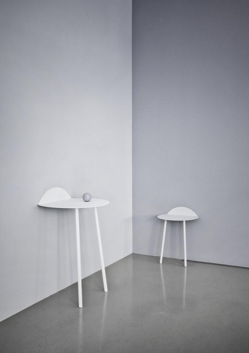 white-entryway-table-minimalist-white-decor-theme