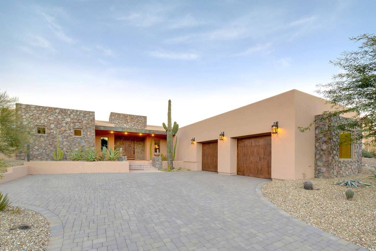 Sleek Contemporary Southwestern House with 2 Master Suites