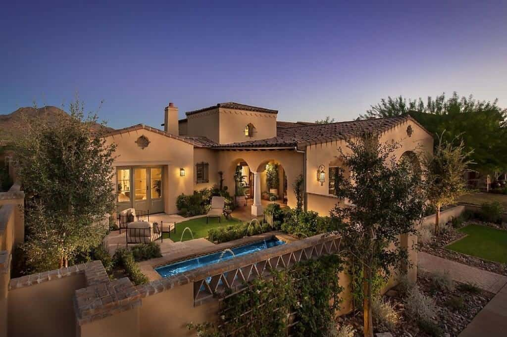 Stunning Southwest Style Home with Luxurious Interior Design that Will Blow Your Mind