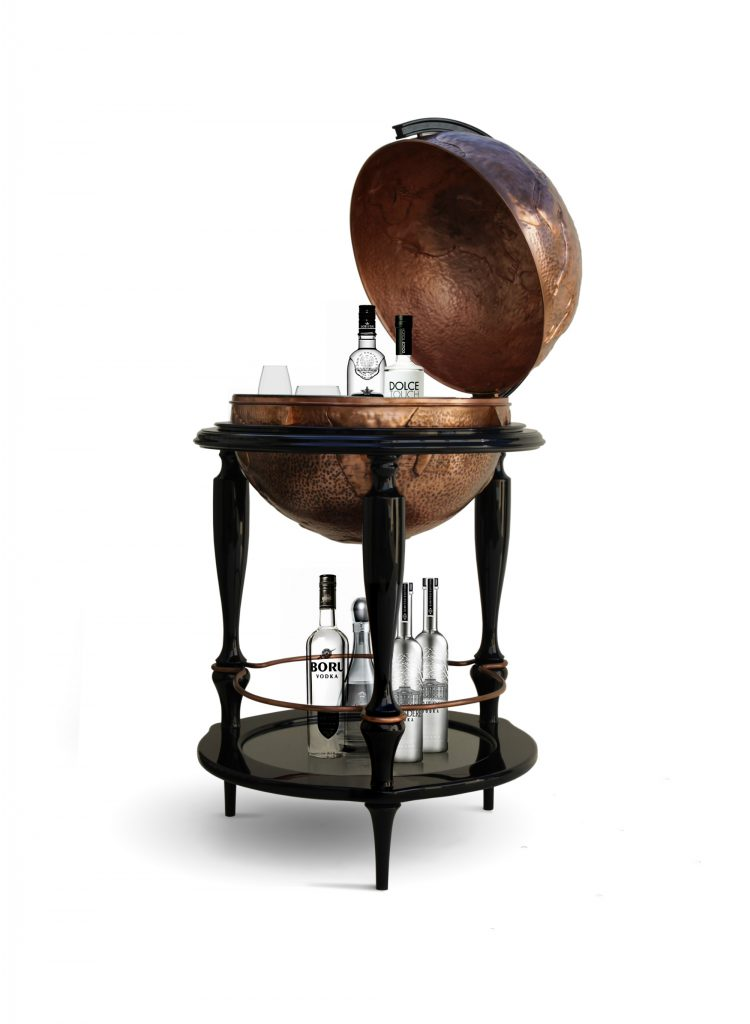 Amazing Accessories That Add the Perfect Finishing Touch to Your Living Room accessories Amazing Accessories That Add the Perfect Finishing Touch to Your Living Room Equator Globe Bar 750x1024