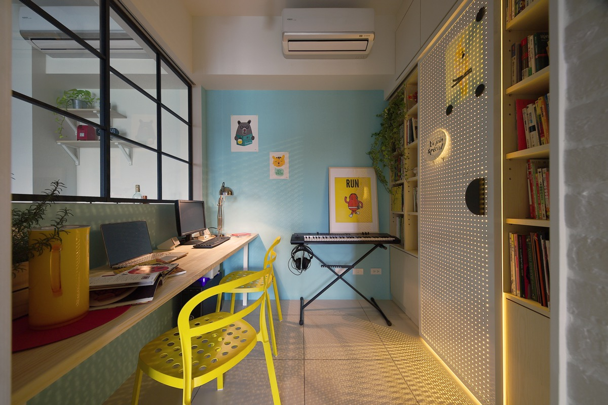 Yellow-desk-chairs