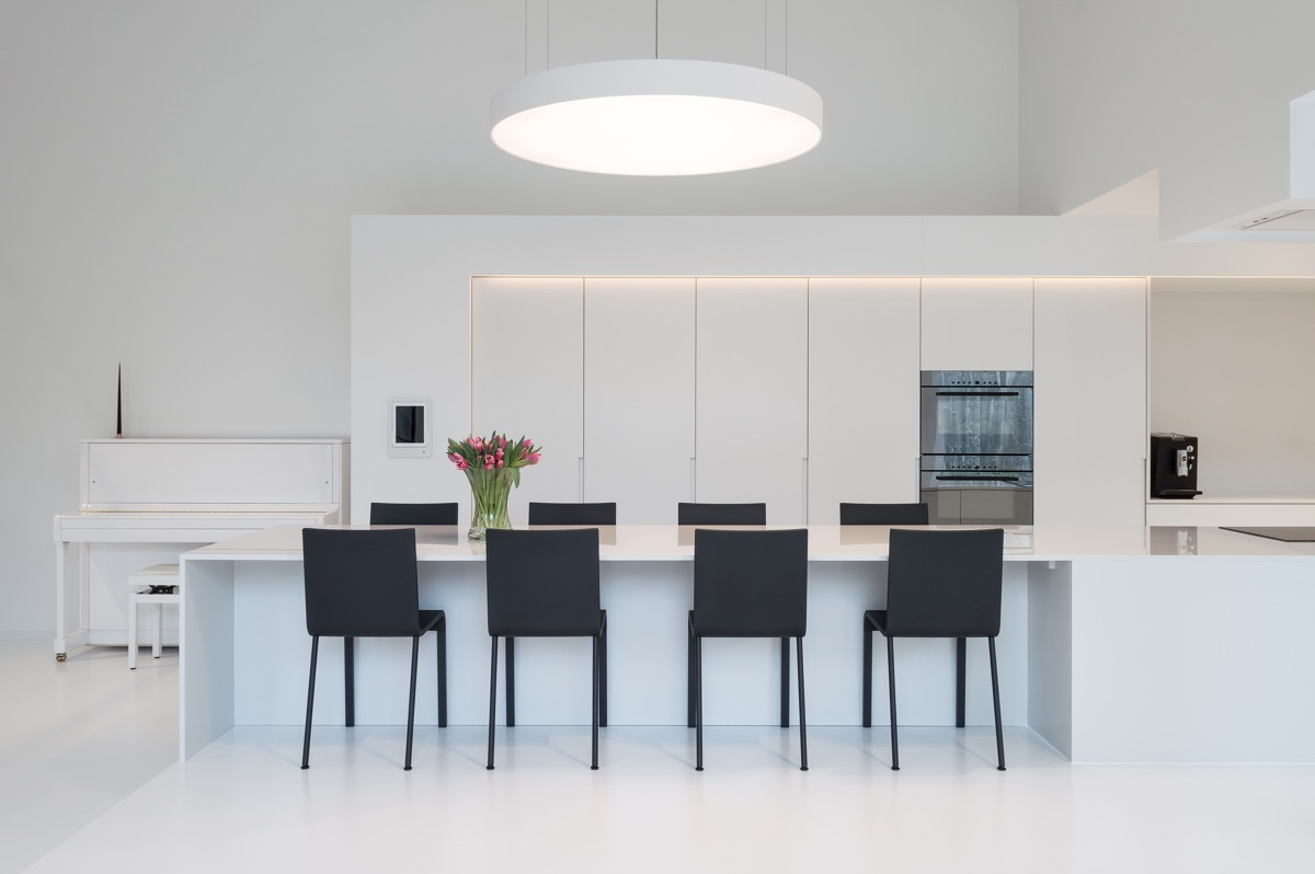 black-and-white-minimalist-dining-room