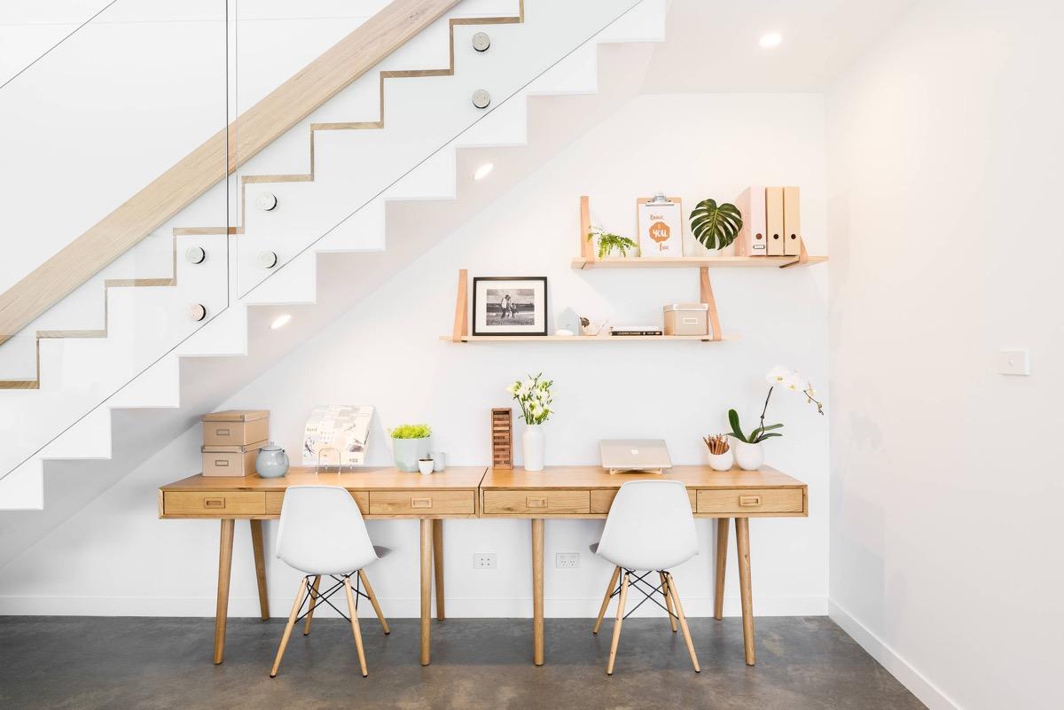 creating-a-minimalist-workspace