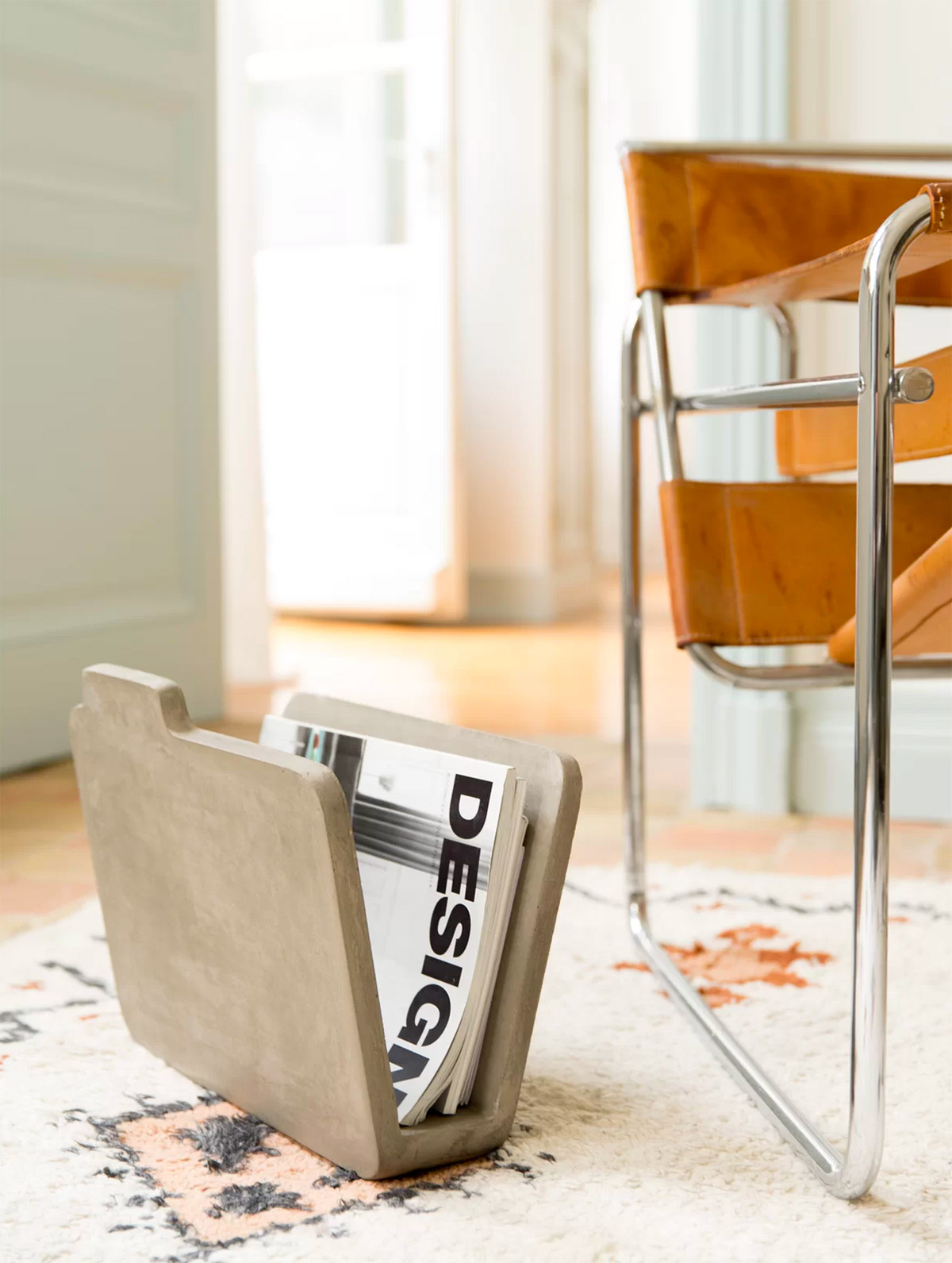 designer-concrete-magazine-rack-gift-for-professional-architects