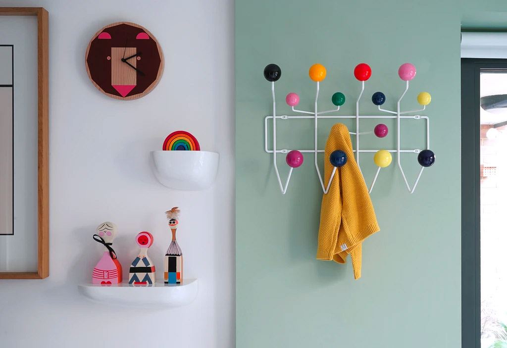 iconic-home-decor-coatrack-gift-for-architecture-enthusiasts-eames-hang-it-all