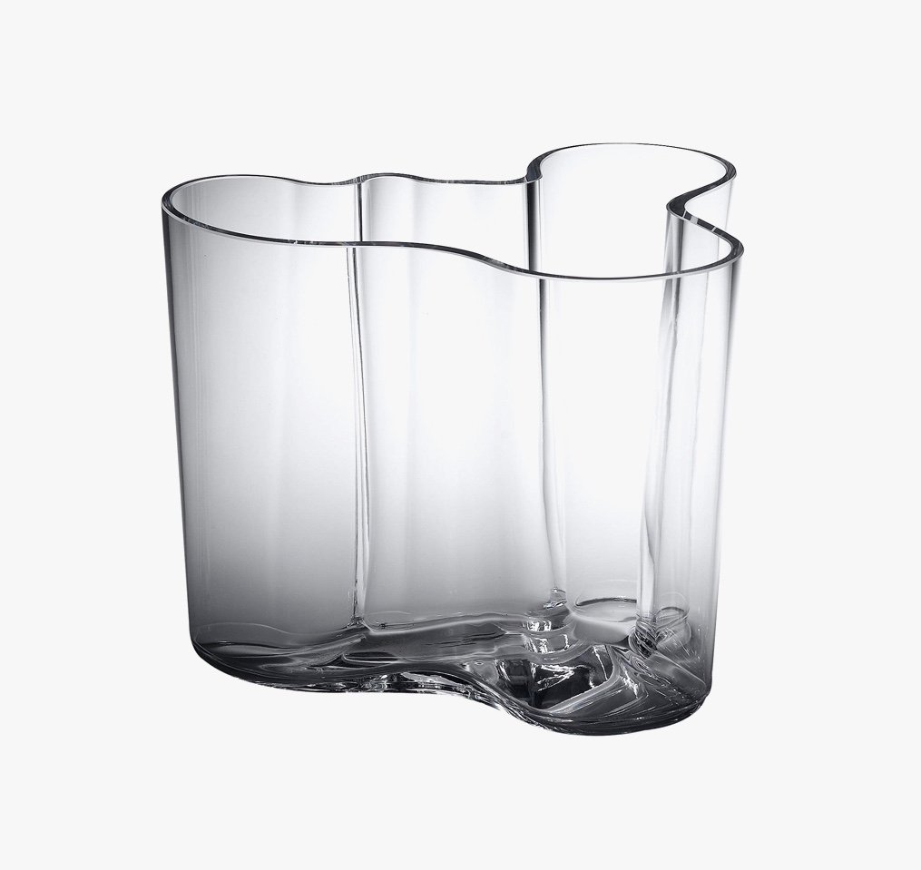 lovely-gifts-for-architect-wife-alvar-aalto-iconic-vase-gift
