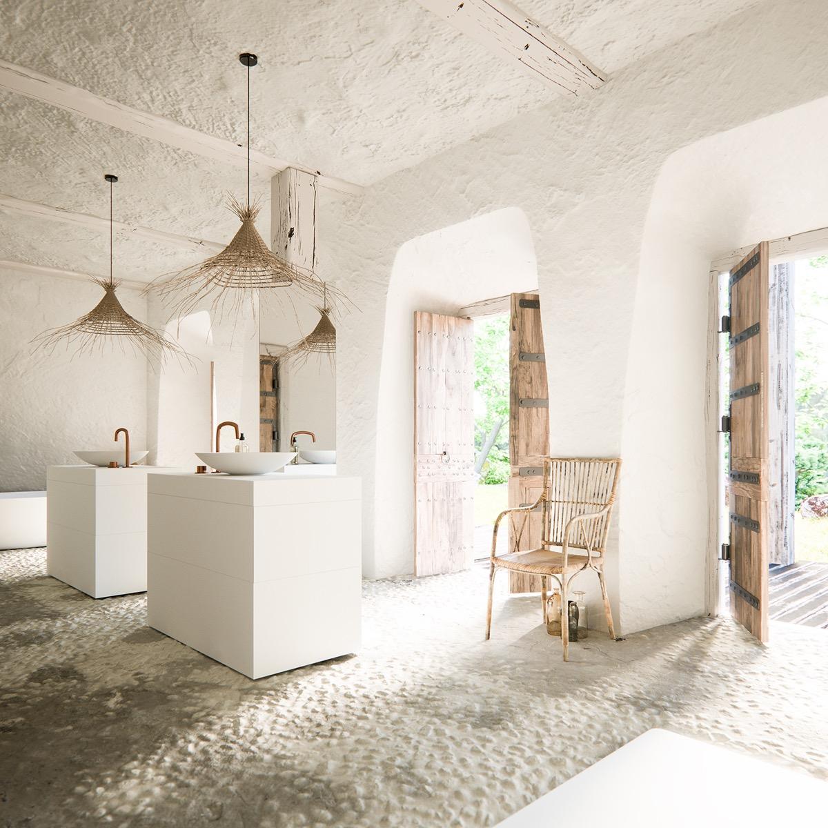 luxury-rustic-bathrooms