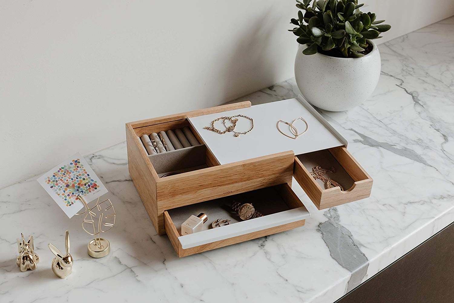 perfect-gifts-for-an-architect-jewelry-box-stylish-luxury-design