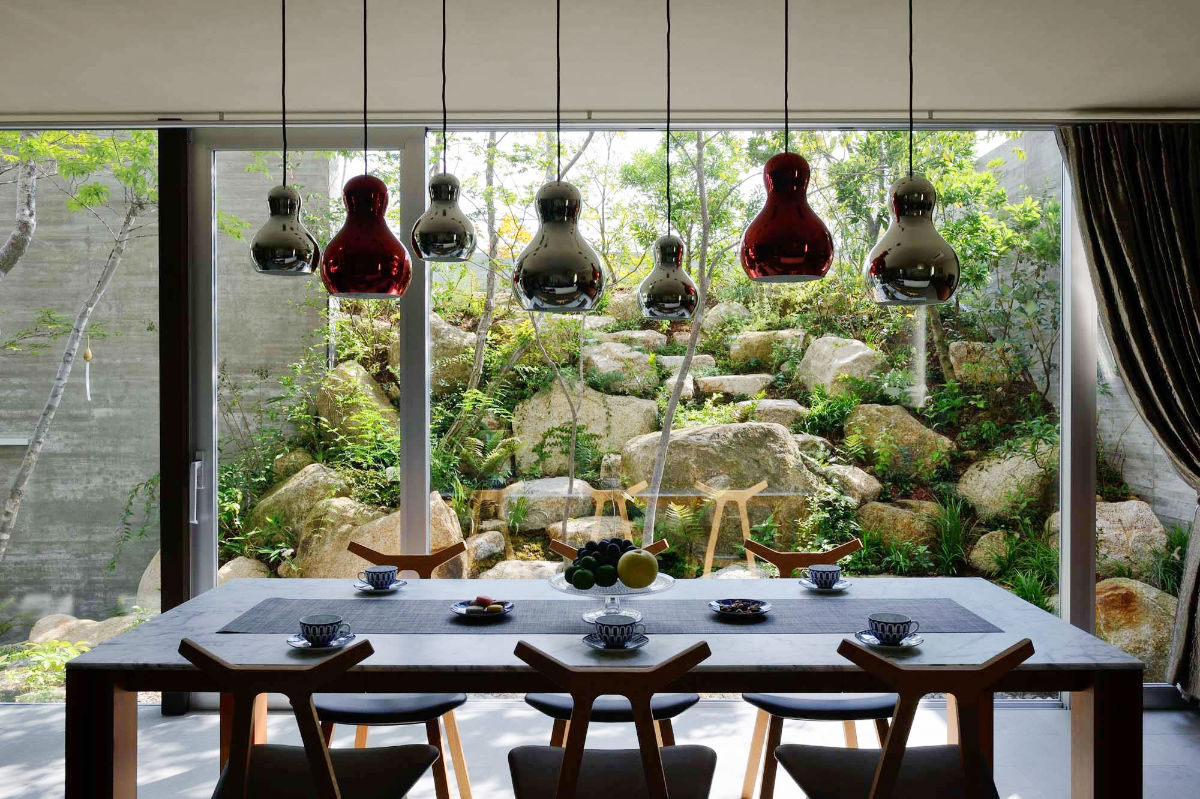 rock-view-shiny-baubles-different-dining-rooms