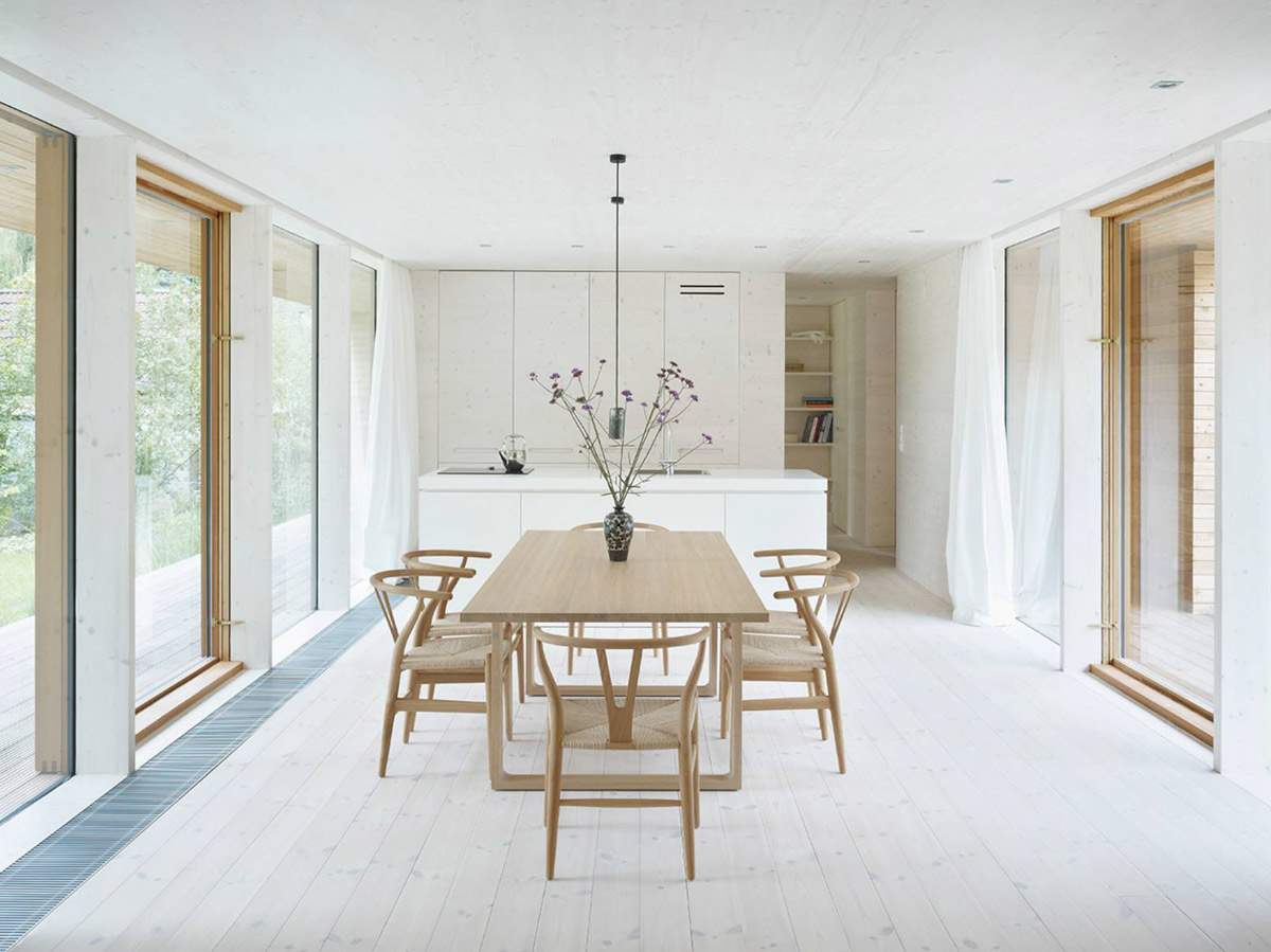 simple-and-classic-white-and-wood-dining-area