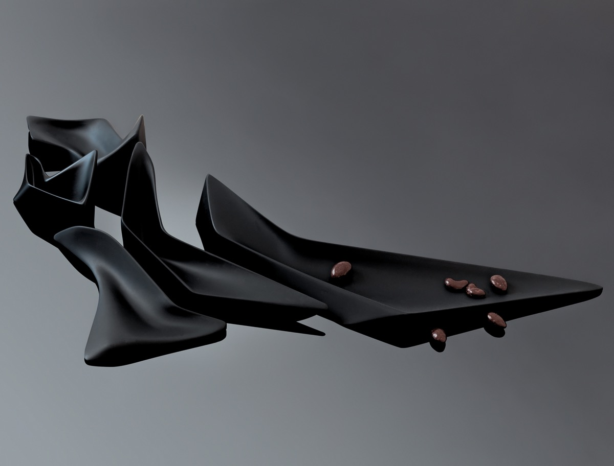 sophisticated-gift-for-architect-wife-zaha-hadid-female-architect-centerpiece-home-decor