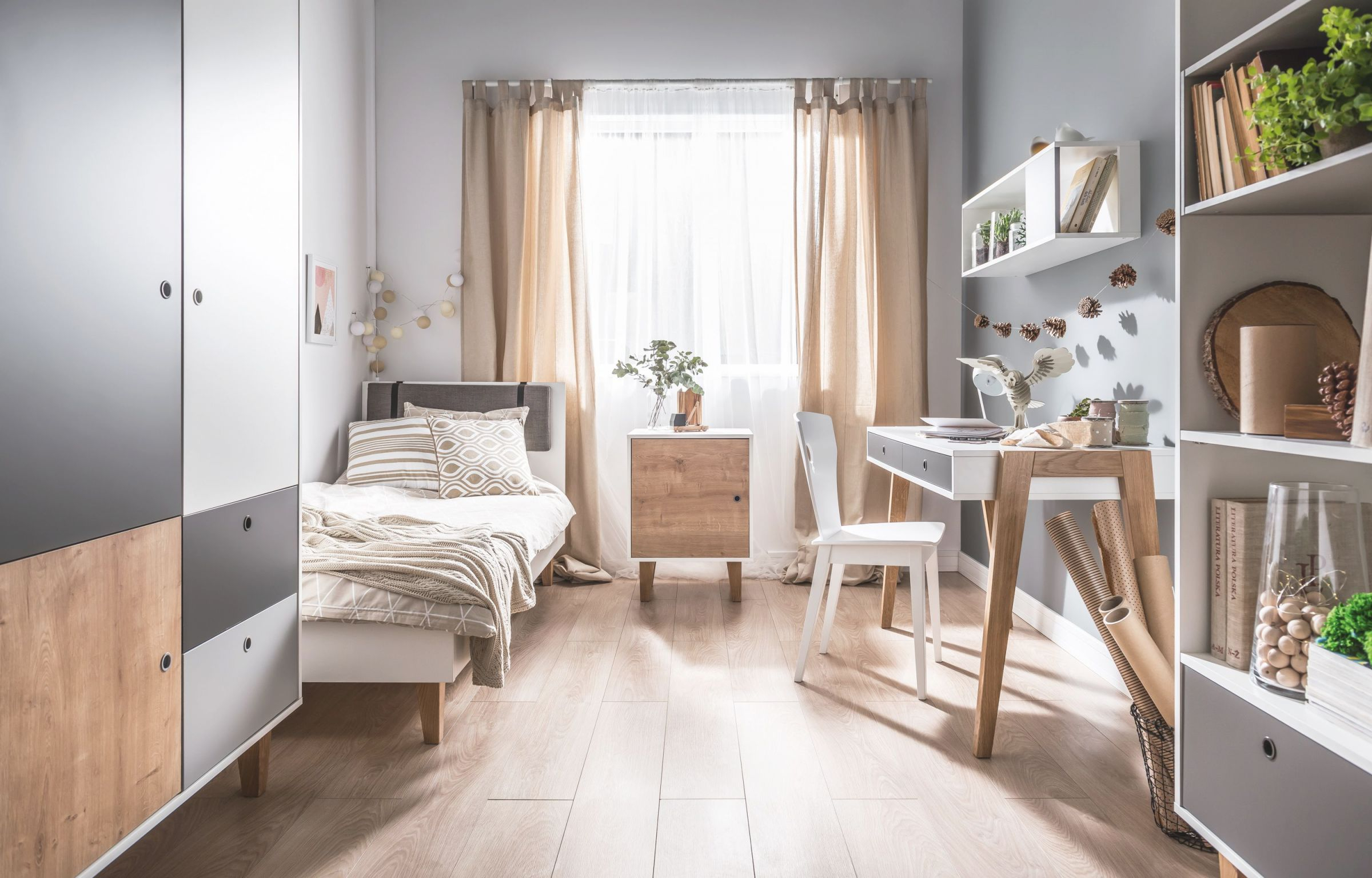 18 Small Bedroom Ideas To Fall In Love With – Small Bedroom throughout Decorating Ideas For Small Bedroom
