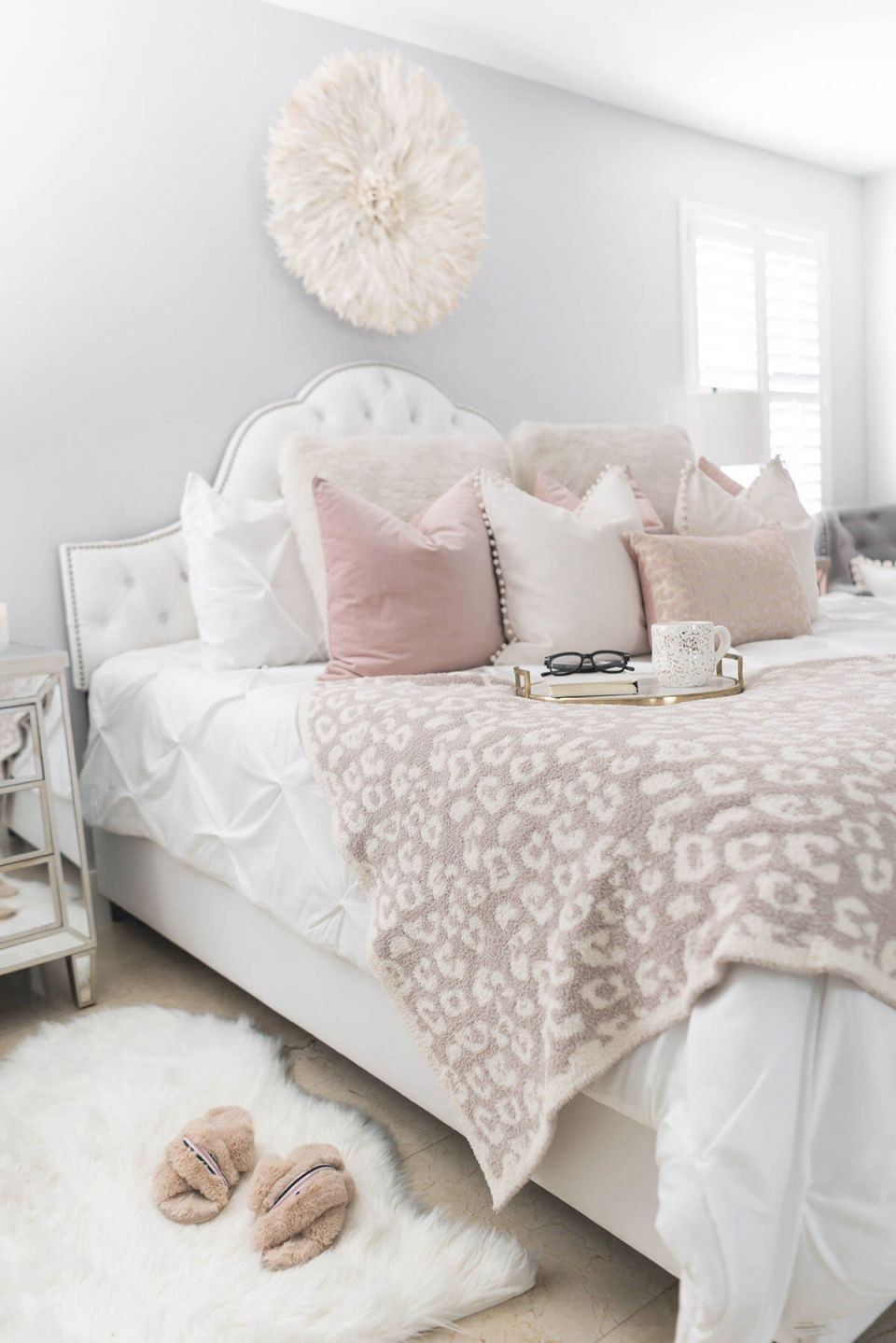 25 Best Cozy Bedroom Decor Ideas And Designs For 2020 for Lovely Feminine Bedroom Decorating Ideas