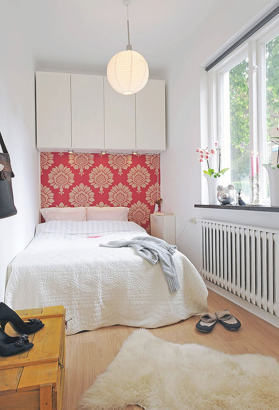 37 Best Small Bedroom Ideas And Designs For 2020 for Decorating Ideas For Small Bedroom