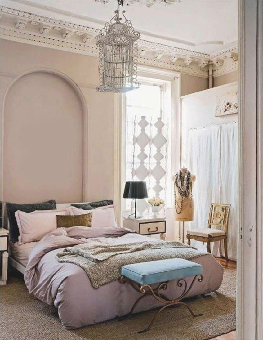 Bedroom Decorating Ideas For Woman #livingroomdecorations in Lovely Feminine Bedroom Decorating Ideas