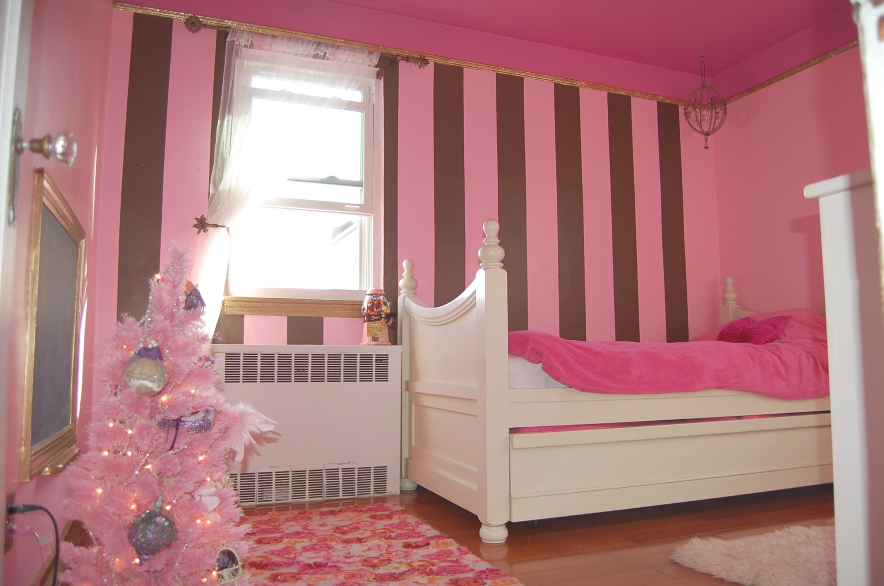Bedroom : Room Ideas Girls Bedroom Plus Teenage Girl Bedroom for Bedroom Decorating Ideas For Girls