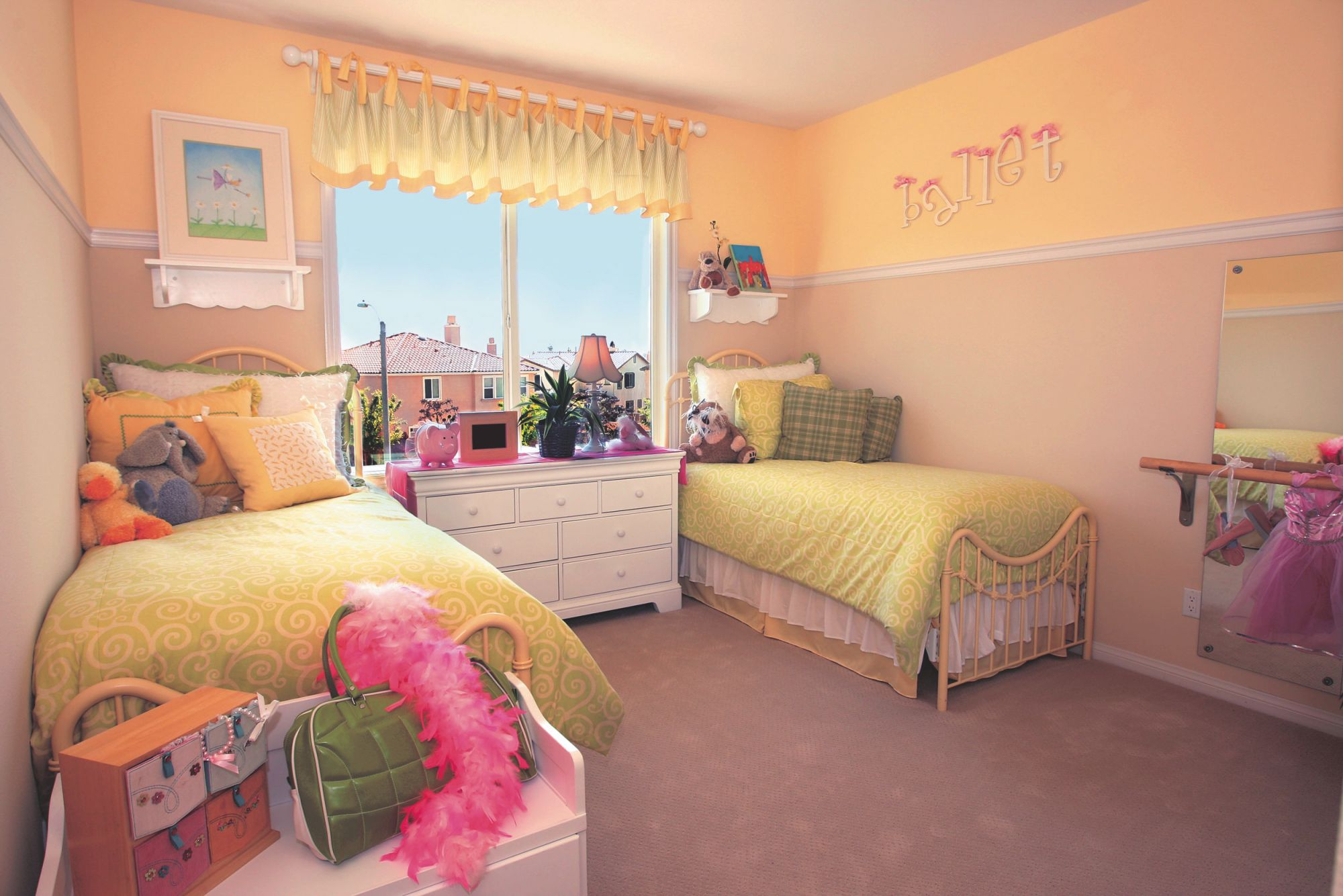 Small Bedroom Ideas With Twin Beds – Visi Build 3D | First with regard to Awesome Twin Bedroom Decorating Ideas