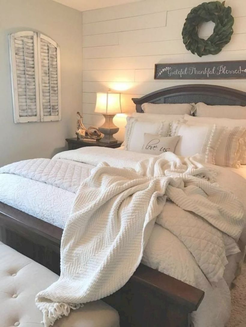 01 Rustic Farmhouse Style Master Bedroom Decorating Ideas with Relaxing Master Bedroom Decorating Ideas