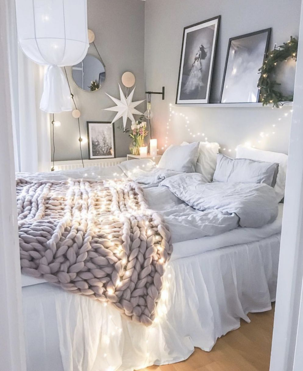20 White Bedroom Ideas That Bring Comfort To Your Sleeping for Beautiful Decoration For Bedrooms Ideas