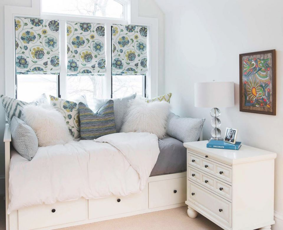 37 Best Small Bedroom Ideas And Designs For 2020 for Small Bedroom Decoration Ideas