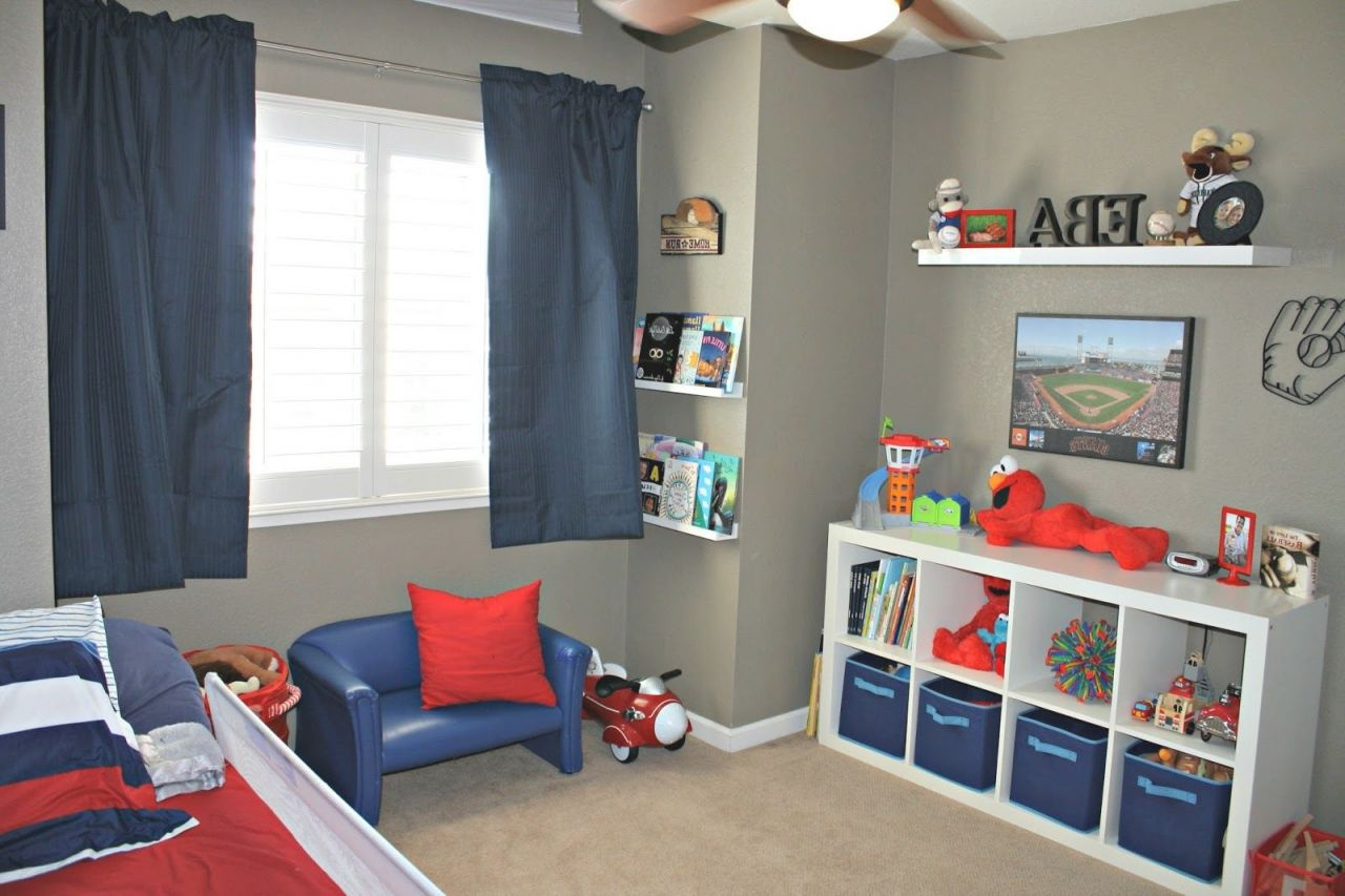 Interesting Sports Themed Bedrooms For Kids Interior With Football Bedroom Decorating Ideas Awesome Decors