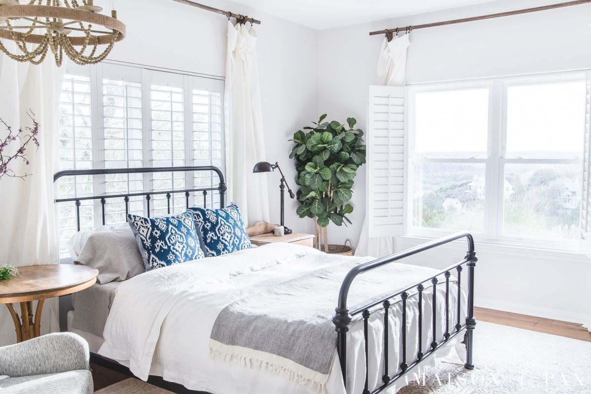 Simple Master Bedroom Decorating Ideas For Spring - Maison intended for Decorating Ideas Master Bedroom